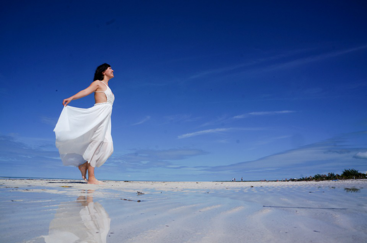 The Smooth Destination Wedding Checklist